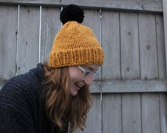 Simple Knit Beanie CONTRASTING POM - ADULT