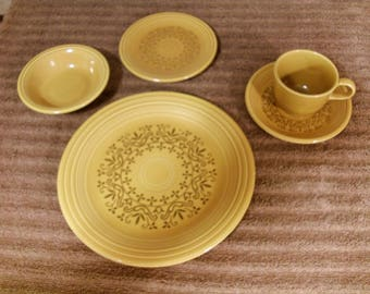 "5 Piece Place Setting Casualstone ""Coventry"" Dinnerware 70's Homer Laughlin"