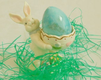 Vintage Easter Bunny Jelly Bean Egg Holder, Decorative Ceramic Figurine, Table Display, Spring Candy Dish Bowl, Decor, Gift for Child, Old
