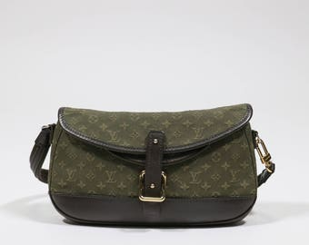 Louis Vuitton - Fabric and leather logated bag