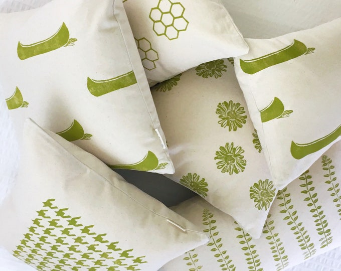 Organic cotton canvas pillows - various patterns in seagrass