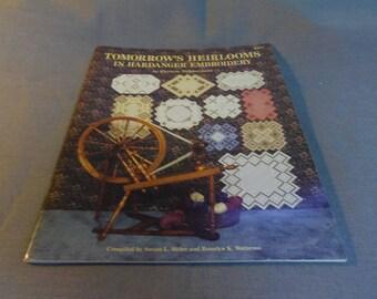 Tomorrow's Heirlooms in Hardanger Embroidery, Earlene Dobberpuhl, Nordic Needle 1991 10 Doilies