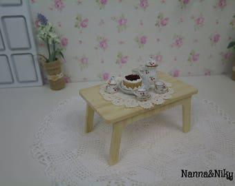 Tavolino in bambù per Blythe