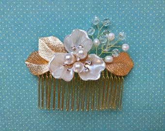 Wedding Hair Comb, Bridal Hair Comb, Pearl Flower Hair Comb, Wedding Hair Accessory, Pearl Crystal Hair Comb