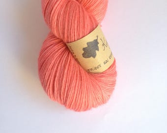 Kiss - Skein of baby alpaca hand dyed