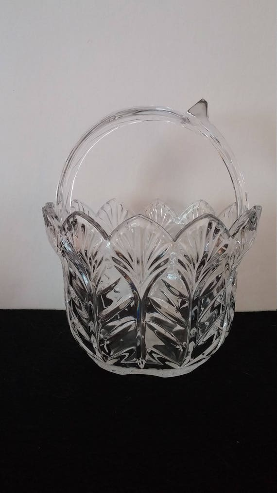Vintage Fifth Avenue Ltd Crystal Portico Basket With Handle