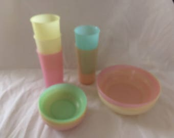 Pastel Set Vintage Tupperware