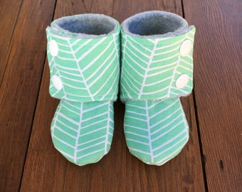 Stay-On Booties (Gender Neutral)