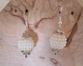 Earrings white pearls
