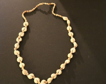 Vintage New Shell Necklace