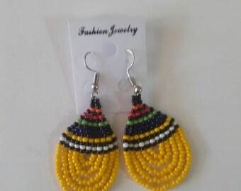 maasai earrings / beaded earrings / african earrings / tribal earrings