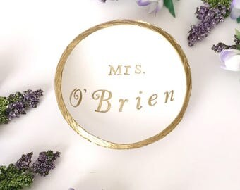 Mrs Jewelry Dish / Personalized Jewelry Dish / Personalized Ring Dish / Gifts for Her / Engagement Gift / Wedding Gift / Anniversary Gift