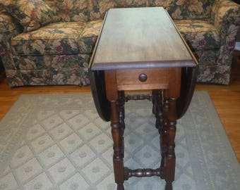 Round Double Drop Leaf Table
