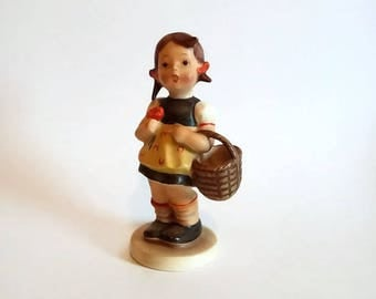 """Genuine Hummel Figurine """"Sister""""  #98 TMK2"""