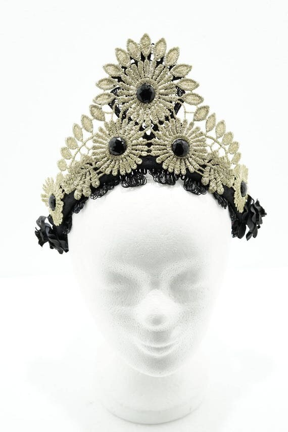 Bronze gold tudor filigree lace crown kokoshnik / golden top Crown with black cabochons