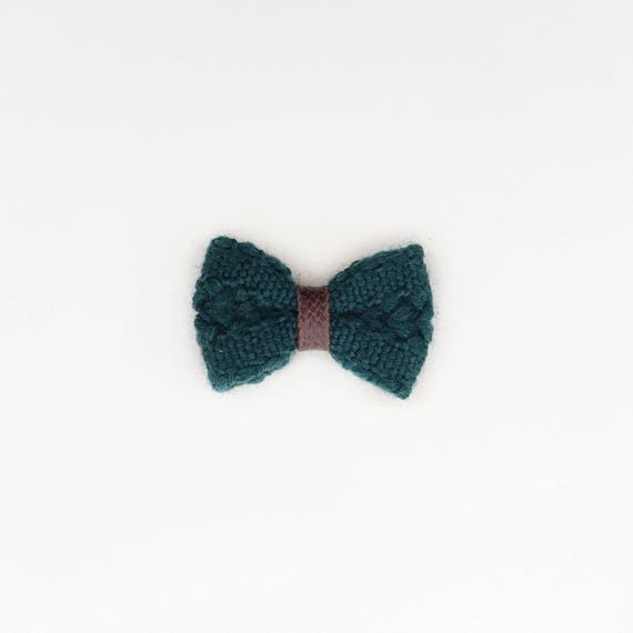 Acacia>> MINI size | hunter green Japanese knitted mini bow clips with faux leather detail for baby/toddler/kids