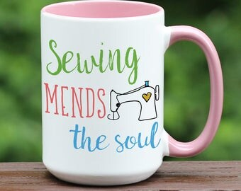 Sewing Coffee Mug / Sewing mends the soul / Quilting coffee cup / Coffee mug / coffee cup / tea mug / coffee / Sewing / Quilting / Gift