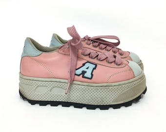 90s Vintage Chunky Heel Sneakers / Platform Club Sneakers / Club Kid Boho Shoes / Pink Tie Shoes / Pink Platform Shoes / Size 8 / 7.5 8.5 /