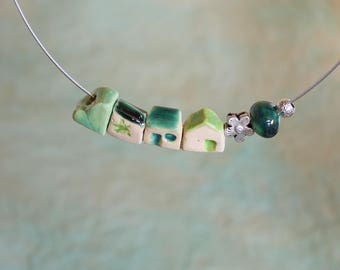 Necklace with small houses, round neck with gres village, necklace with pearls to house, art jewel, Italian village to wear!