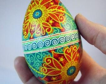 Traditional Ukrainian Easter egg.Handmade.Hand painted Easter eggs.Pysanka.Ukrainian real Easter eggs.Batic eggs.Goose pysanka.