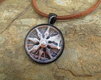 Dharma wheel necklace dharma wheel pendant Dharma wheel cabochon Buddhist necklace leather choker vegan leather boho hippie Buddhist gift.