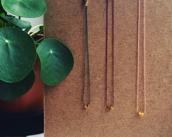 Short chain on thin wire with gold/Silver Heart
