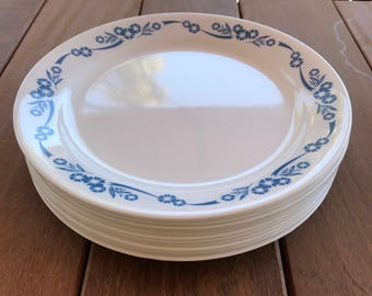 Vintage Dinner Plates in Cornflower (Corelle) by Corning