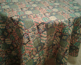 """Free Shipping!!! Vintage Mid Century 87"""" x 89"""" Green Paisley Print Quilted Tablecloth"""