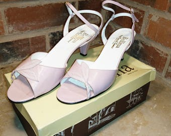 Gorgeous vintage dusky pink heels, 1980's Italian leather boxed dusky pink sandals, ladies vintage sandals