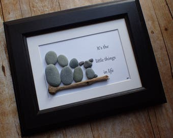 It's the little things pebble art picture / Pebble dog / Rock dog / Stone dog / Family of 3 picture / Family of 4 / dog lover gift idea