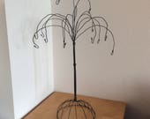 Table top ornament hanger