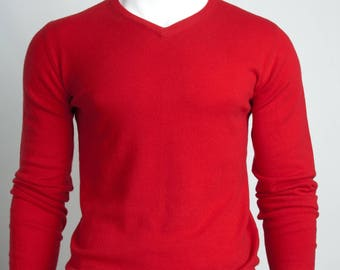 The Classic V-Neck Sweater (Red)