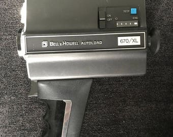 Vintage 1976 Bell & Howell Movie Camera -Autoload 670XL - w/ Manual and Carrying Case