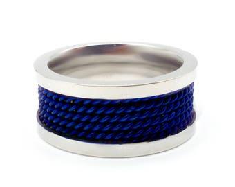 Steel blue rope ring
