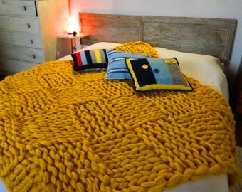 Chunky Yellow Throw. Arm Knitted Wool Blanket. Bulky Knit Throw Blanket. Giant Knit.  Handmade Rug. Extreme Knitting. Houseworming Gift.