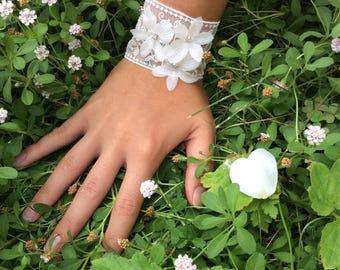 Lace bracelet Fleur BELLE EPOQUE