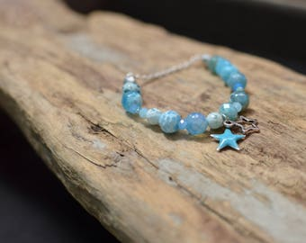Blue elastic bracelet agate Crackle, finish silver plated chain, small blue enamel star, natural gemstone