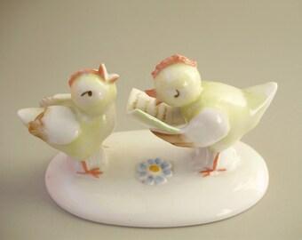 Vintage, Metzler & Ortloff porcelain bird figurine,little singing chickens,hand painted,фарфоровая статуэтка