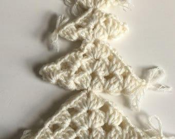 White crochet Christmas tree