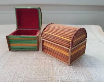 Small tooth box or small potpourri boxes handmade with toothpicks.