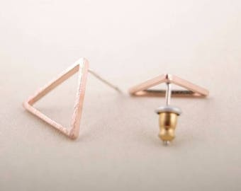 Small earring triangle size = 1 cm * 1 cm * 1 cm - Rose gold plated-pierced ear Chic, S079-40% off