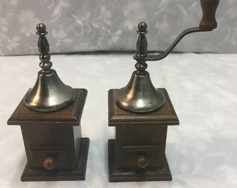 Coffee Grinder Style Salt and Pepper Shaker – Wood and Metal Materials