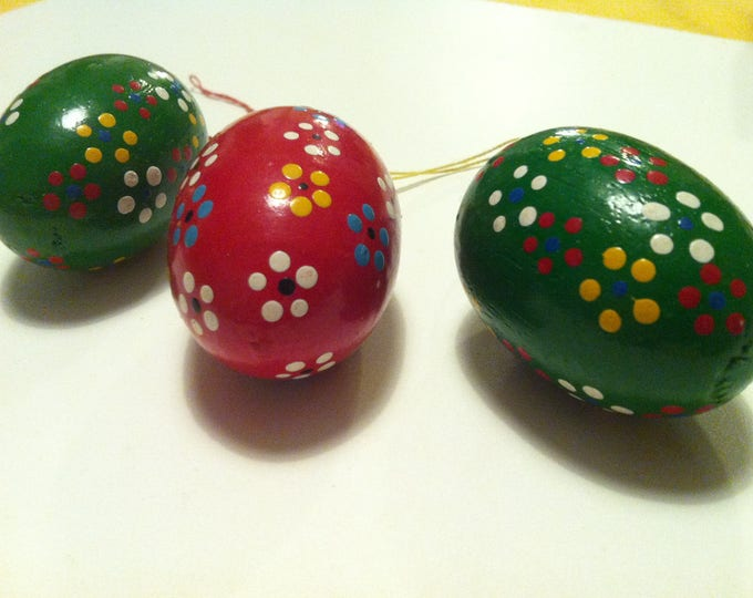 Vintage wood eggs Painted beautiful Decoration