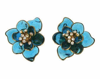 Gripoix 1960s Turquoise Poured Glass and Rhinestone Vintage Flower Earrings
