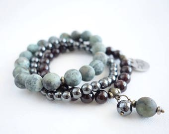 Stone beads bracelet green/matte/granate/hematite/African turquoise/dark red/gemstone/with pendant/bronze/gift for her/natural stone beads