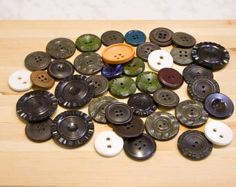 Vintage Buttons for sewing buttons plastic buttons old buttons lot of buttons vintage scrapbook craft supplies mixed buttons big buttons