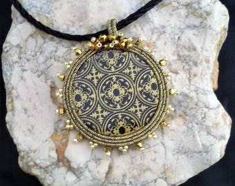 soutache pendant gold  jewels, Soutache jewerly, fashion, Soutache Jewels, accessories, cabochon, crystals, beads, handmade from Italy