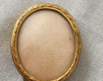 Antique French Vintage Edwardian XIXe gilded brass oval photo frame, Louis XVI style, relief moldings