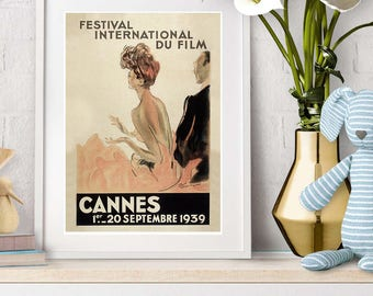 Vintage French wall art from the Cannes film festival in a 1930s style. Beautiful print with great colours and classic look.