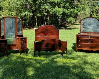 Antique/Vintage late (1800's/1900 bedroom set) French Maple.